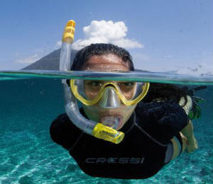 Renting vs Buying Snorkeling Equipment